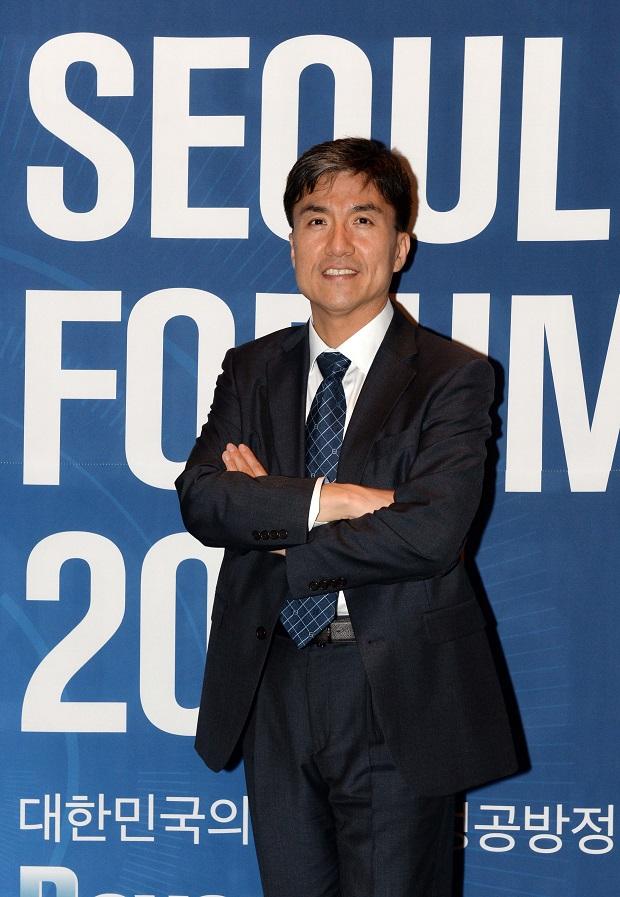 서울포럼강연1_620.jpg