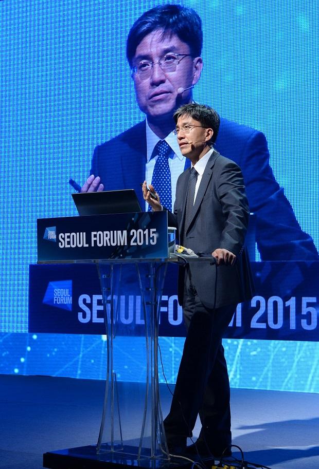 서울포럼강연2_620.jpg